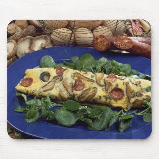 Omelette roulée avec le shiitaké et le chorizo - tapis de souris
