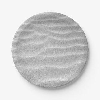 Ondulations noires et blanches de sable assiettes en papier