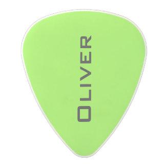 onglet de guitare vert acide au néon avec le nom médiator en polycarbonate