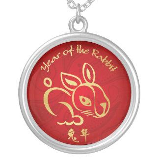 Or/année rouge du lapin - nouvelle année chinoise collier