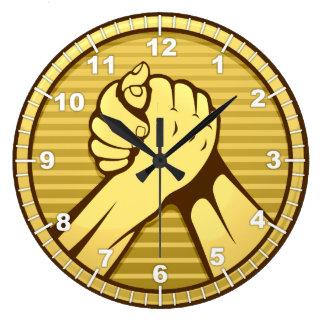 Or de bras de fer grande horloge ronde