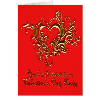 Or métallique mis en rouleau fleuri de coeur sur carte de vœux
