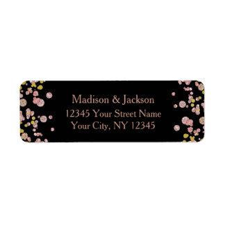 Or rose d'étincelle de confettis épousant étiquette d'adresse retour