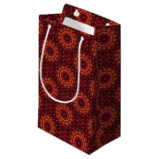 Or sur le mandala rouge petit sac cadeau