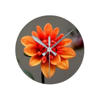 Orange et gris horloge ronde