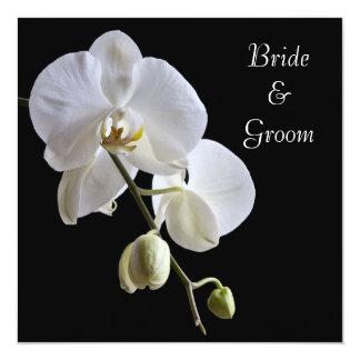 Orchidée blanche sur le faire-part de mariage de