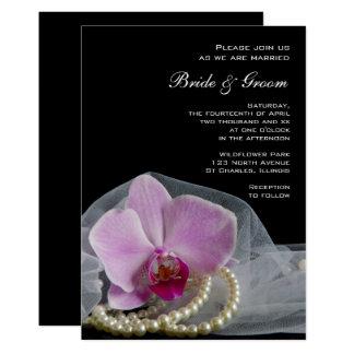 Orchidée et perles roses sur le faire-part de