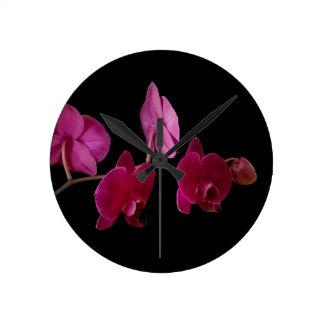 Orchidée rose de Dendrobium - fleurs customisées Horloge Ronde