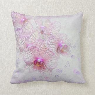 orchidées et bulles roses coussin