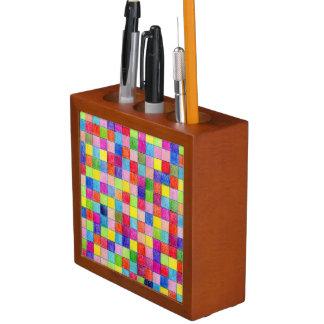 Organiseur De Bureau Coloré dans des carrés de papier de graphique