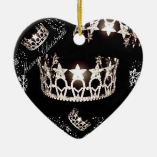 Ornement argenté de Noël de couronne de la Mlle