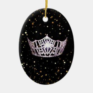 Ornement argenté de Noël de couronne de Mlle