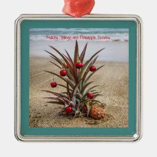 Ornement Carré Argenté Ananas de plage avec l'ornement rouge de Noël