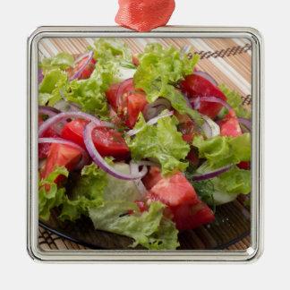 Ornement Carré Argenté Angle de vue sur un fragment de salade