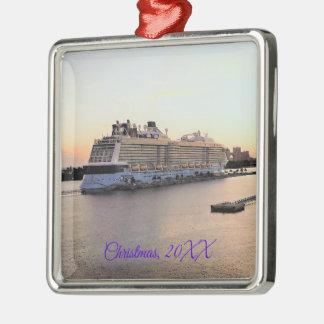 Ornement Carré Argenté Aube de port de Nassau avec le bateau de croisière