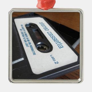 Ornement Carré Argenté Bande vintage de cassette audio sur la table en