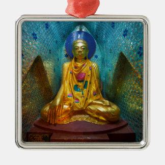 Ornement Carré Argenté Bouddha dans l'alcôve fleurie