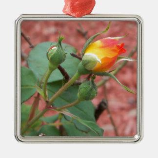 Ornement Carré Argenté bourgeon rose jaune et d'orange