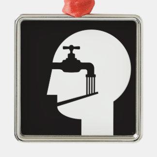 Ornement Carré Argenté causeur soumis à un lavage de cerveau