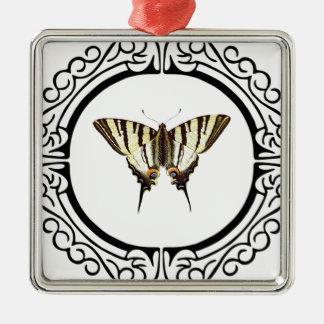 Ornement Carré Argenté cercle du papillon