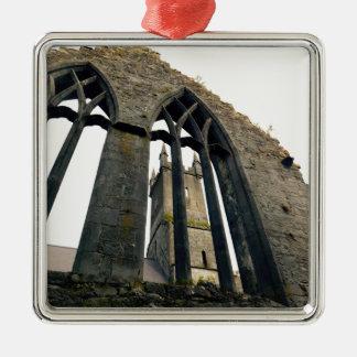 Ornement Carré Argenté Château irlandais - forteresse - près des portes