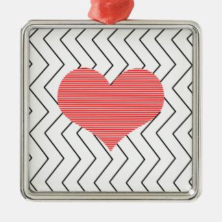 Ornement Carré Argenté Coeur rouge - motif géométrique de zigzag - noir