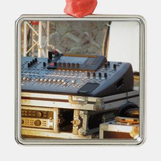 Ornement Carré Argenté Console de mélange audio professionnelle