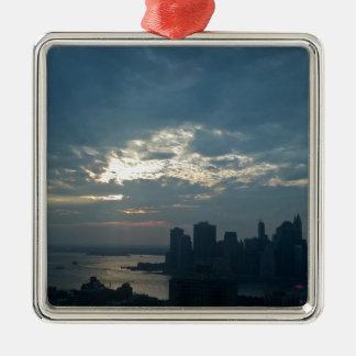Ornement Carré Argenté Coucher du soleil Manhattan1