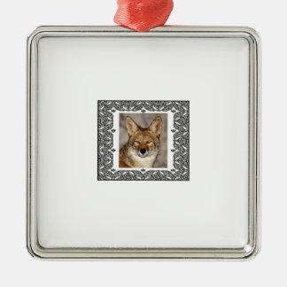 Ornement Carré Argenté coyote dans un cadre