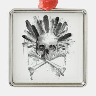 Ornement Carré Argenté Crâne gothique de style tribal - la croix désosse