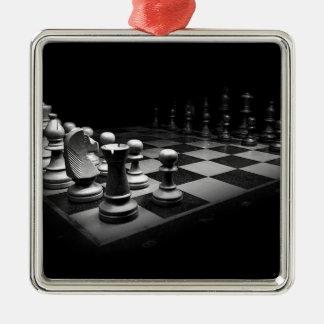 Ornement Carré Argenté Échiquier blanc noir du Roi de pièces d'échecs