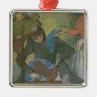Ornement Carré Argenté Edgar Degas | à la modiste, c.1898
