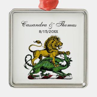 Ornement Carré Argenté Emblème héraldique de crête de lion et de dragon