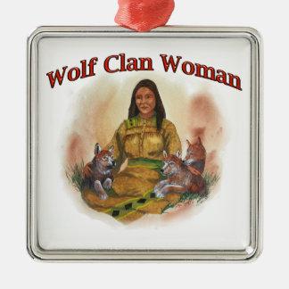 Ornement Carré Argenté Femme de clan de loup