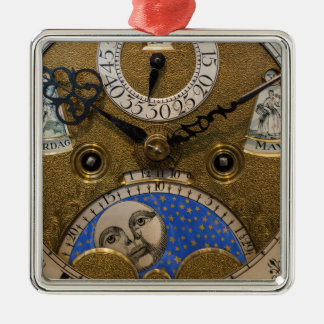 Ornement Carré Argenté Fermez-vous d'une vieille horloge, Allemagne