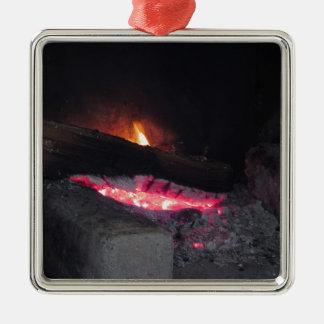 Ornement Carré Argenté Flèches de la chaleur de flamme du feu en bois