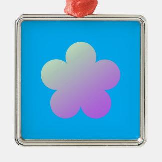 Ornement Carré Argenté Fleur sur un fond bleu