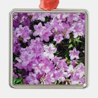 Ornement Carré Argenté Fleurs asiatiques violettes