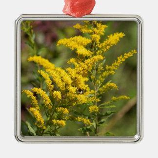 Ornement Carré Argenté Fleurs sauvages dorés