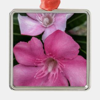 Ornement Carré Argenté Floral rose