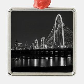 Ornement Carré Argenté Gamme de gris de vue de pont de Dallas