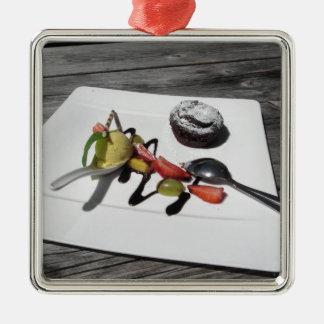 Ornement Carré Argenté Gâteau de chocolat fondu délicieux avec le fruit
