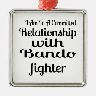 Ornement Carré Argenté Je suis dans un rapport commis avec Bando Fighte