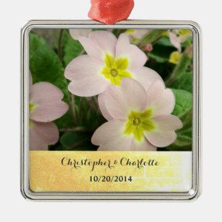 Ornement Carré Argenté La primevère rose-clair fleurit le mariage fait