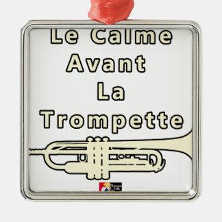 Ornement Carré Argenté Le Calme avant la Trompette - Jeux de Mots