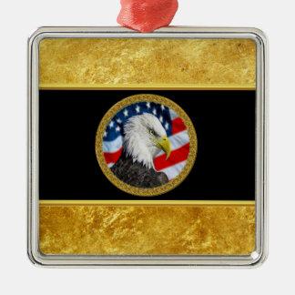 Ornement Carré Argenté Le chef d'Eagle et une feuille d'or de drapeau