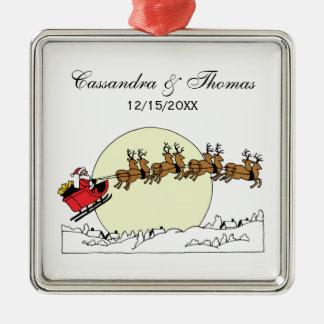 Ornement Carré Argenté Le renne de Père Noël au-dessus de la neige a