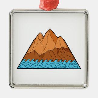 Ornement Carré Argenté Ligne mono en lambeaux de vagues de montagne