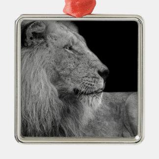 Ornement Carré Argenté LION le roi de LION de la jungle en noir et blanc
