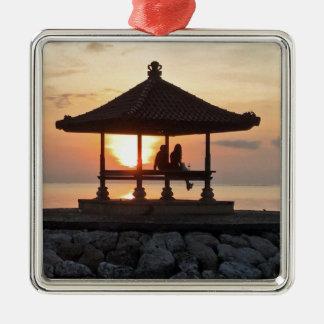 Ornement Carré Argenté Lune de miel dans Bali